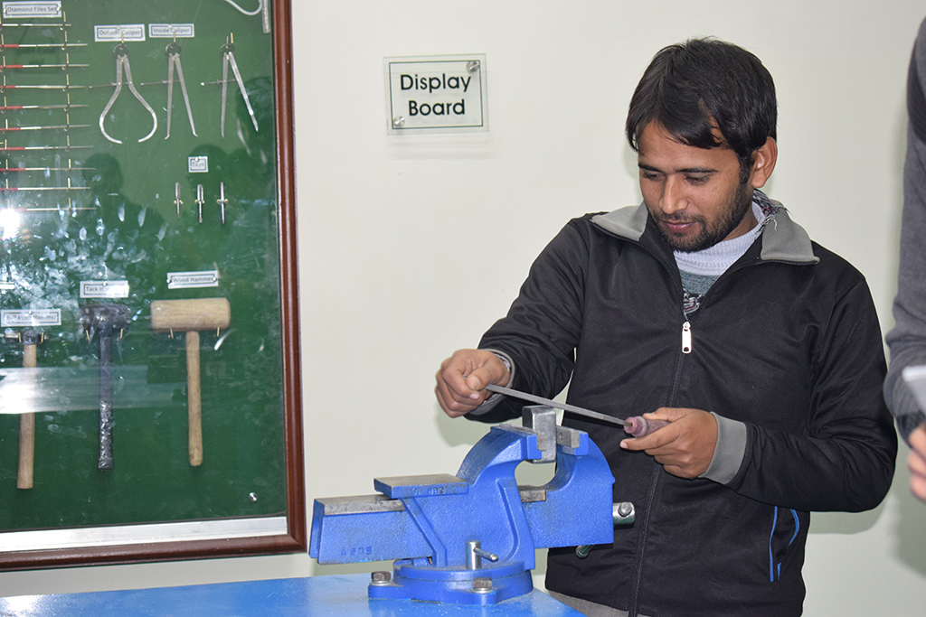 safety precautions in bench fitting shop Safety precautions when operating a pedestal or make certain you have no loose fitting clothing, gloves pedestal or bench grinder equipped with an.